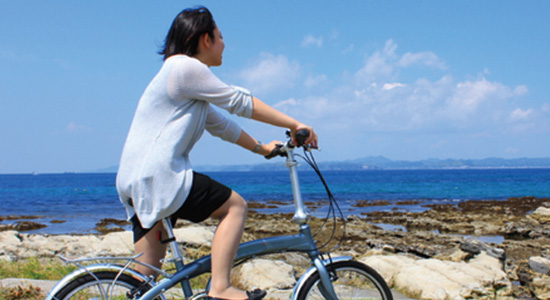 サイクリング、サーフィン、ウォーキング、ダイビングなど、東京では体験できないような自然を満喫しよう